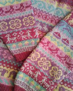 torirot's stitches: Welcome Wovember Fair Isle Knitting Patterns, Fair Isle Pattern, Knitting Charts, Knitting Designs, Knitting Stitches, Free Knitting, Knitting Projects, Sock Knitting, Knitting Tutorials