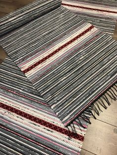 Woven Rug, Woven Fabric, Loom Weaving, Hand Weaving, Tear, Flower Centerpieces, Rug Making, Scandinavian Style, Handmade Rugs