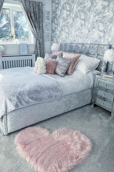 I Love Wallpaper Liquid Marble Wallpaper in Silver - Take a peek inside this beautiful Bedroom featuring I Love Wallpaper Liquid Marble Wallpaper in Sil - Teen Bedroom Designs, Bedroom Decor For Teen Girls, Cute Bedroom Ideas, Room Ideas Bedroom, Teen Room Decor, Home Decor Bedroom, Girl Bedrooms, Bedroom Wallpaper Designs, Bedroom Inspo