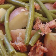 Ham, bean and potatoes in the pressure cooker.