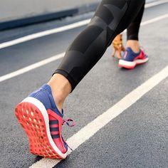 When black isn't basic.  #PureboostX #adidas #running #runner #kickstagram #sneakerporn #fitstyle #fitfashion #fitstyle #fashion #style #ootd #leggings #legging #athleisure #workout #ihavethisthingforleggings
