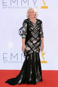 Better luck next time. Glenn Close's risk-taking black-and-white gown is sure to land her on all the worst-dressed lists.