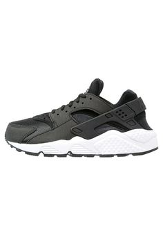 Nike Sportswear AIR HUARACHE RUN - Trainers - black/white for £89.99 (20/02/17) with free delivery at Zalando