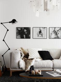 Black And White Living Room Decor With Minimalist Design 46 Black And White Living Room Decor, White Rooms, Modern Apartment Decor, Decor Scandinavian, Minimalist Living, Modern Living, Minimalist Design, Luxury Living, Dream Decor