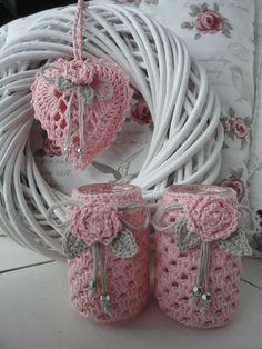 Lalylala is gegroeid Crochet Mug Cozy, Crochet Home, Crochet Gifts, Crochet Doilies, Knit Crochet, Crochet Diagram, Crochet Patterns, Crochet Jar Covers, Crochet Decoration