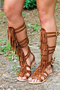 fringe tall gladiator sandals <br> Our Chippewa Gladiator Sandals are tall fringe gladiator sandals. They are the perfect look to dress up shorts or a cute Spring dress! Gladiator Sandals Outfit, Gladiator Boots, Heeled Boots, Shoe Boots, Flat Sandals, Leather Sandals, Flats, Pretty Shoes, Cute Shoes