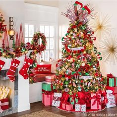 'Tis the season to be jolly and this classic Christmas collection is giving us all the festive feels! Celebrate the most wonderful time of the year with our Very Merry Christmas collection! Rose Gold Christmas Decorations, Christmas Tree Themes, Christmas Tree Decorations, Decorated Christmas Trees, Whimsical Christmas Trees, Christmas Tree With Presents, Christmas Ideas, Classy Christmas, Merry Christmas