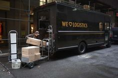 United Parcel Service Inc and FedEx Corp are rolling out new pricing systems to curb online retailers' large package sizes, but industry experts warn many small firms are unprepared and could pay up to ...