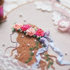 프랑스자수로 수를 놓고 리본자수로 화관을 수놓았더니 마치 꽃의 요정인듯 블링블링~~ #캣님네프랑스자수#디자인도용금지#리본자수#stitch #embroidery #ribbon #소녀자수#프랑스자수 #손자수#세종프랑스자수 #세종시프랑스자수