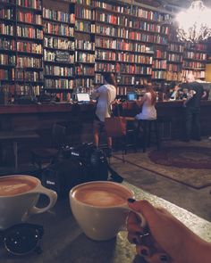 This is what I think about when I imagine our library and café I Love Books, Books To Read, My Books, Bons Romans, Architecture Restaurant, Book Cafe, Book Store Cafe, Coffee And Books, Library Books