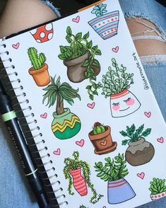 Need ideas for your BuJo? We have 21 creative step by step cactus and succulent doodle ideas for your bullet journal! No artistic talent needed to recreate these simple doodles in your own bullet journal Notebook Doodles, Doodle Art Journals, Bullet Journal Notebook, Easy Doodle Art, Doodle Art Designs, Bullet Journal Lettering Ideas, Bullet Journal Ideas Pages, Cactus Doodle, Kalender Design