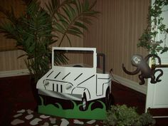 cardboard box jeep idea for safari unit Jungle Theme Birthday, Jungle Party, Safari Party, Safari Theme, Jungle Safari, Zoo Party Themes, Birthday Party Themes, Party Ideas, Safari Jeep