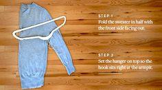 ニットをハンガーにかける時の正しい畳み方