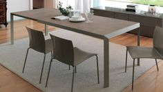 Perfect in every environment, Izac is a table 142 cm, which is surprising for the ease of placement of furniture in every context. Thanks to the two...