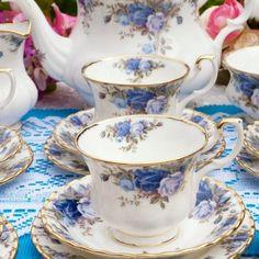ROYAL ALBERT MOONLIGHT ROSE VINTAGE TEA TRIO