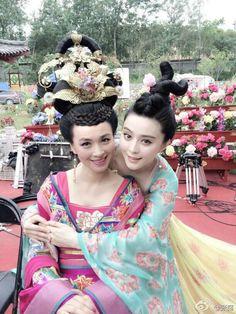张庭的照片 - 微相册 - Behind the scene photo of the Chinese TV drama 'Empress of China'.