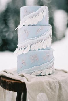 30 Wonderful Bohemian Wedding Cakes Ideas � bohemian wedding cakes blue boho cake honeycrumbcakes #weddingforward #wedding #bride