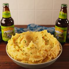 Beer Cheese Mashed Potatoes Home Hub beer Cheese homebrewing beer recipes Mashed Potatoes Holiday Recipes, Great Recipes, Favorite Recipes, Christmas Recipes, Summer Recipes, Food Dishes, Side Dishes, Cooking Recipes, Healthy Recipes