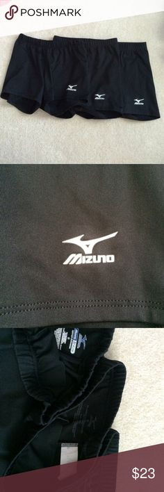 Set of 3 Mizuno volleyball spandex shorts These Mizuno spandex's are all in great condition. One is a size small and two are a size extra small. Perfect for sports and wearing under dresses Mizuno Shorts