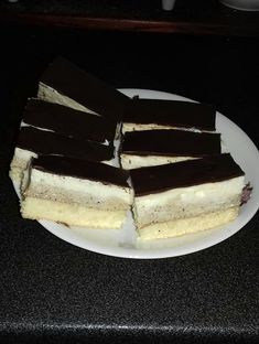 Kapuciner szelet Nutella, Cheesecake, Food And Drink, Izu, Sweets, Recipes, Sweet Pastries, Gummi Candy, Cheesecakes