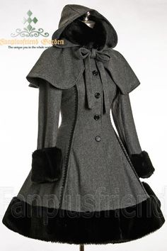Classic Gothic Lolita: Heavy Wool & Fur Coat with Hood Cape.  Absolutely LOVE it! The hooded cape and fur are so cute. Would die for this~~
