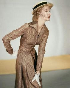 Sunny Harnett, Wearing a Jose Martin Suit; Silk Twill in Cocoa with Black Miniature Prints - Vogue feb 1951 © Horst P. Define Fashion, 60 Fashion, 1950s Fashion, Vintage Fashion, Vintage Couture, Fashion Models, Vintage Style, Retro Outfits, Vintage Outfits
