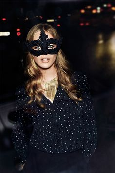 HOLIDAY PARTY GIRL Vogue Paris for H&M