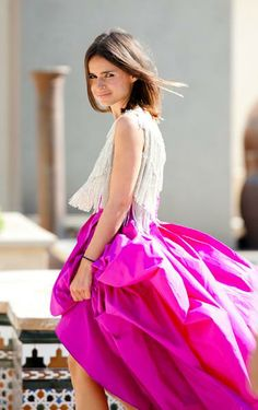Find tips and tricks, amazing ideas for Miroslava duma. Discover and try out new things about Miroslava duma site Looks Street Style, Looks Style, Style Me, Classy Style, Look Fashion, Fashion Beauty, Skirt Fashion, Diy Fashion, Street Fashion