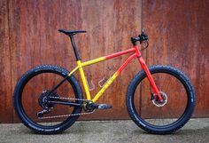 powder coated in Belgian colours Dresden, Real Steel, Fat Bike, Bicycle Design, Vintage Bikes, Held, Bmx, Bicycles, Cycling
