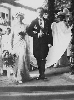 Wedding of Augusta Victoria of Hohenzollern, Princess of Hohenzollern-Sigmaringen (1890–1966) and King Manuel II of Portugal (1889 – 1932)