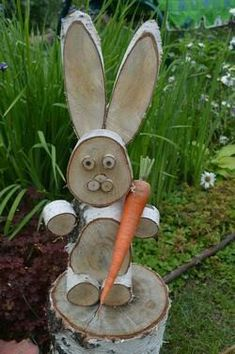 Ideas For Easter Wood Crafts Diy Bunnies Wood Log Crafts, Wood Slice Crafts, Christmas Wood, Christmas Crafts, Wood Projects, Craft Projects, Garden Projects, Wood Animal, Diy Holz