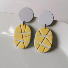 Polymer Clay Kunst, Fimo Clay, Polymer Clay Crafts, Handmade Polymer Clay, Polymer Clay Jewelry, Clay Beads, Diy Clay Earrings, How To Make Earrings, Earrings Handmade