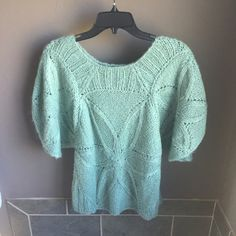 Mint green sweater top mint green sweater top  Size large - 🎀10% off with a bundle🎀 📬Fast shipping📬 🚭Non-Smoking🚭 ⚠️No trades⚠️ 👗Open to fair offers👗 ✨Happy poshing!!✨ Sweaters