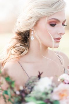 Lowkey lovinnnnn' this porcelain beauty and her gorgeous rose gold tones 👰🏼💕Brought to you by and Celine Earrings, Rose Gold Earrings, Gold Bridal Earrings, Wedding Earrings, Lindsay Marie, Ethereal Wedding, Swarovski Stones, Wedding Hair Pieces, Gold Set