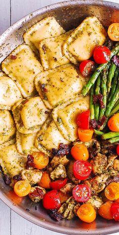 Pasta Recipes, Chicken Recipes, Dinner Recipes, Cooking Recipes, Healthy Recipes, Chicken Appetizers, Chicken Ravioli, Pesto Chicken, Mushroom Ravioli