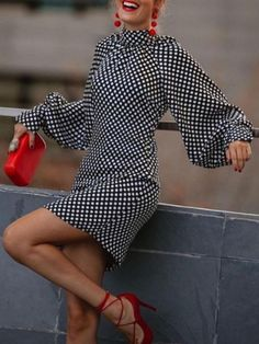 Mini Dresses For Women, Clothes For Women, Classy Outfits, Chic Outfits, Long Sleeve Vintage Dresses, Dresses With Sleeves, Mini Dress Formal, Polka Dot Mini Dresses, Mode Top