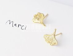 Ginkgo leaf earrings, ginkgo earrings, leaf earrings, nature jewelry