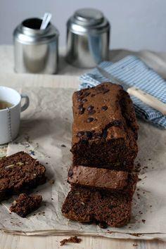 Chocolade courgettebrood met walnoten & rozijnenhttp://www.yellowlemontreeblog.com/courgettebrood-chocolade/ Volkorenmeel ipv spelt