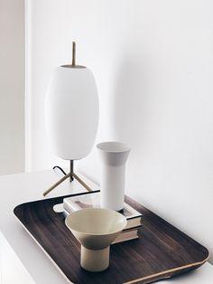 Tray decor idea - favorite vintage books with different shapes of vases.#minimalisthomedecor #minimalisthomeinterior