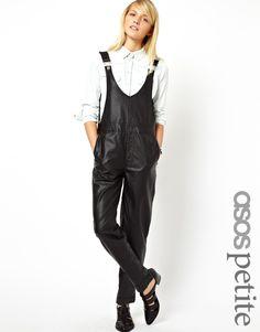 €94, Peto de Cuero Negro de Asos. De Asos. Detalles: https://lookastic.com/women/shop_items/9191/redirect