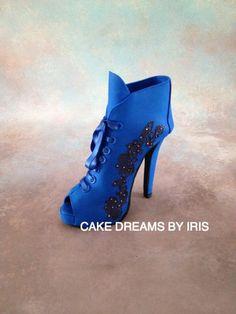 High heel fońdant/gum-paste ankle boot - Cake by Iris Rezoagli