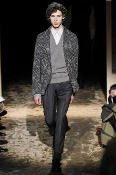 See the complete Ermenegildo Zegna Fall 2016 Menswear collection.