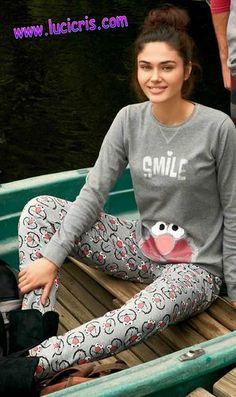 Pijama ELMO-BARRIO SESAMO SMILE para Mujer GISELA - Lucicris.com