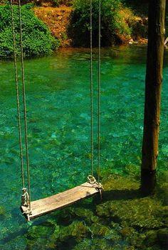 dondolarsi sopra l' #acqua - swing over #water