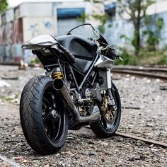 Ducati 748 Cafe Racer - Tim harney Motorcycles - Photos by Adam Lerner #motorcycles #caferacer #motos | caferacerpasion.com