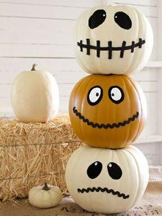 bemalte Kürbisse als Halloween Deko