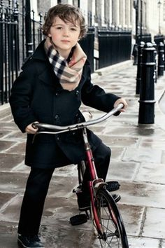 luv this burberry look for my boys Little Boy Fashion, Toddler Fashion, Kids Fashion, Vogue Kids, Cycle Chic, Baby Boy, Stylish Kids, Kid Styles, Kids Wear