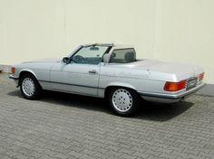 Mercedes-Benz 300 SL R107 (1986)