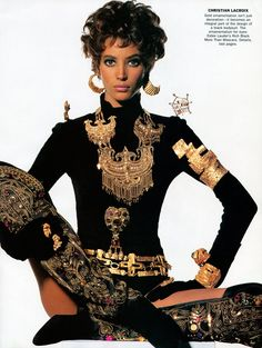 Rock'n Royalty by Irving Penn Vogue US October 1990 Rock'n Royalty Photographer: Irving Penn Stylist: Carlyne Cerf de Dudzeele Make-up: Laura Mercier Hair: Oribe Model: Christy Turlington & Linda Evangelista