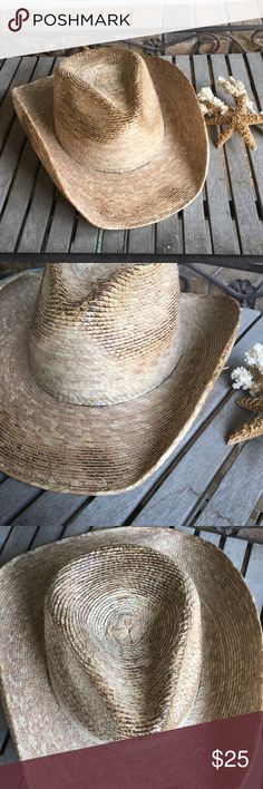 50a7d6775e1 Cowboy Weaved Straw Tea Stained Western Hat NWOT! Adult sized summer cowboy  hat Features a